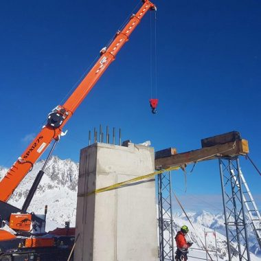 Lift systems maintenance on high-altitude mountains