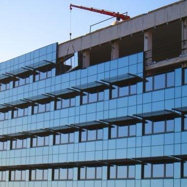 Costruzione di edifici in vetro-facciata