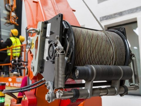 <p>Winch with 125m rope</p>
