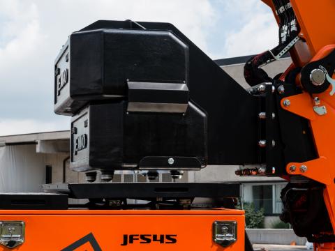 <p>3.5 ton Counterweight</p>